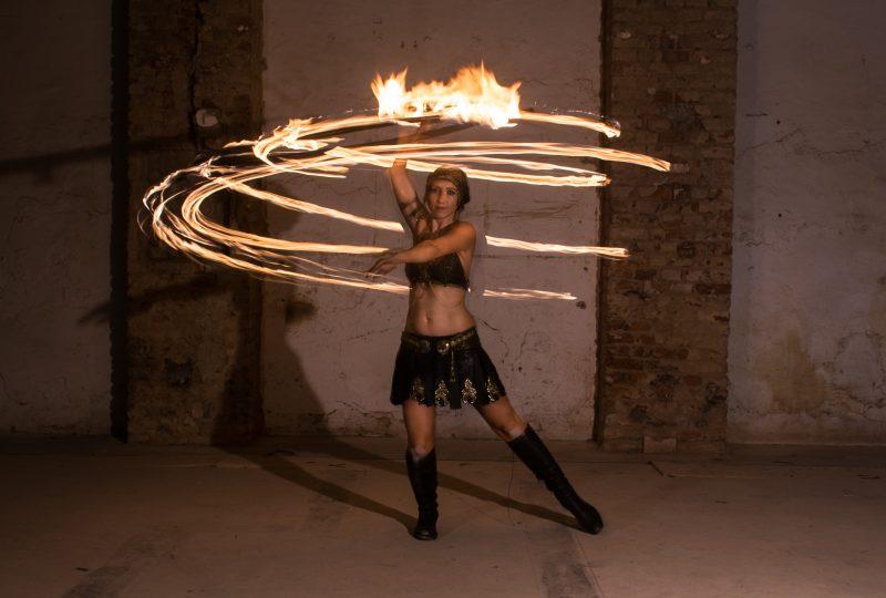 hulahoop fire show